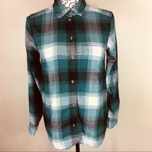 America Eagle Outfitters flannel shirt XS green